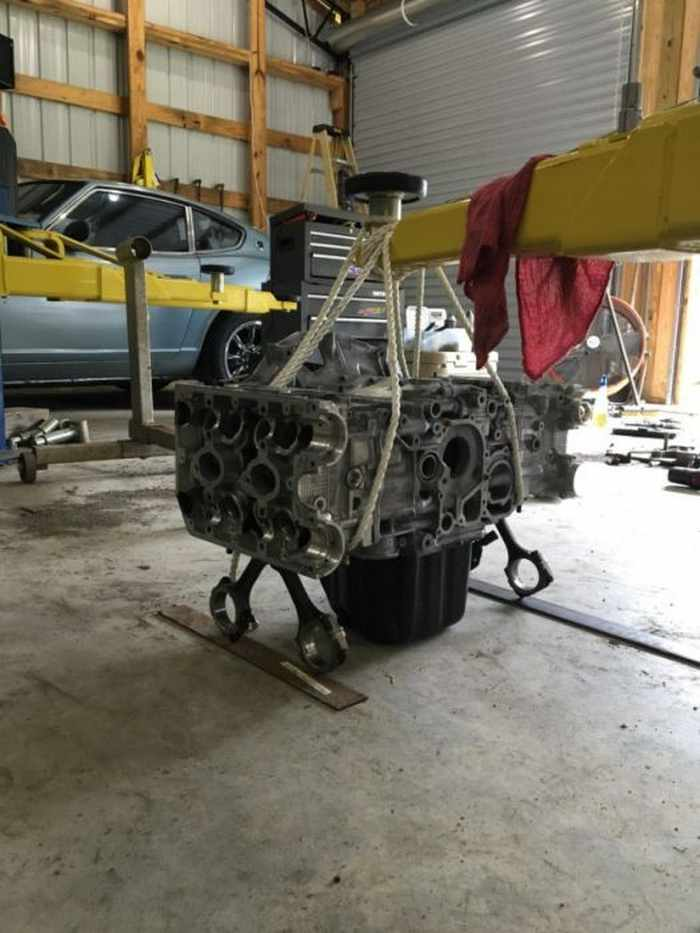 This Guy Turned His Smashed Car's Engine Into An Epic Coffee Table -08
