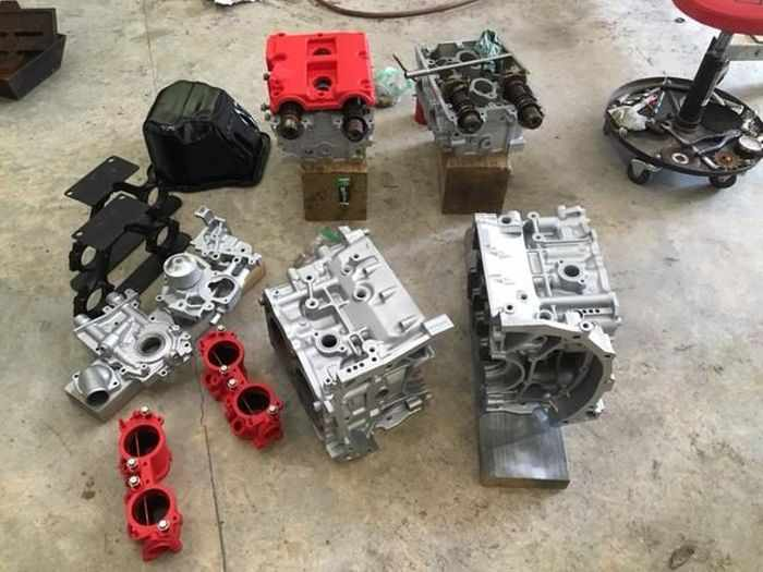 This Guy Turned His Smashed Car's Engine Into An Epic Coffee Table -11
