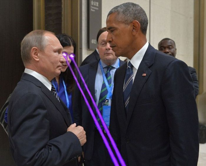 Obama And Putin's Hilarious Death Stare Gets Trolled By Photoshoppers-20