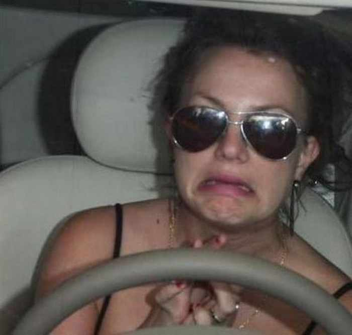 54 Funny Pictures of Celebrities Having a Bad Day -12