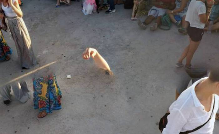 24 Epic Fail Google Street View Pictures That Are Hilarious -02