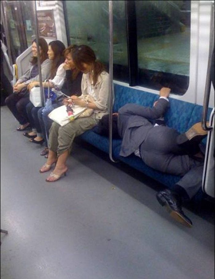26 Hilarious Photos Reveal Lazy People Sleep Anywhere -10