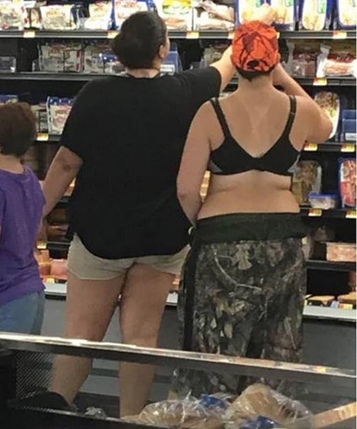 The 35 Funniest People Of Walmart Pictures of All Time -12