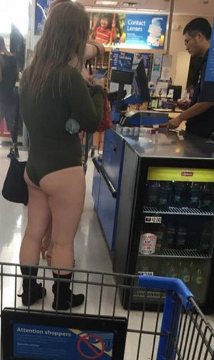 The 35 Funniest People Of Walmart Pictures of All Time -19