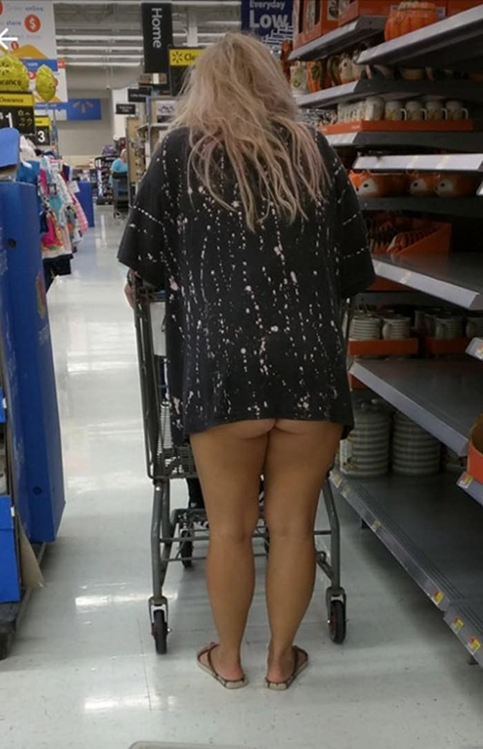 The 35 Funniest People Of Walmart Pictures of All Time -22