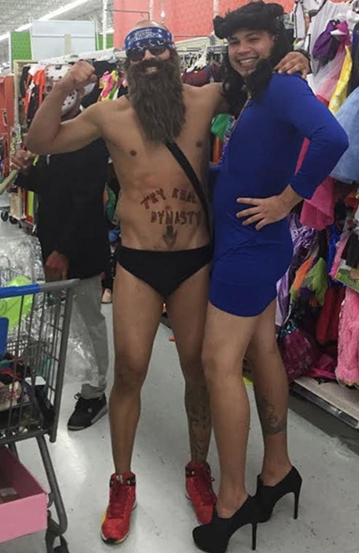 The 35 Funniest People Of Walmart Pictures of All Time -23