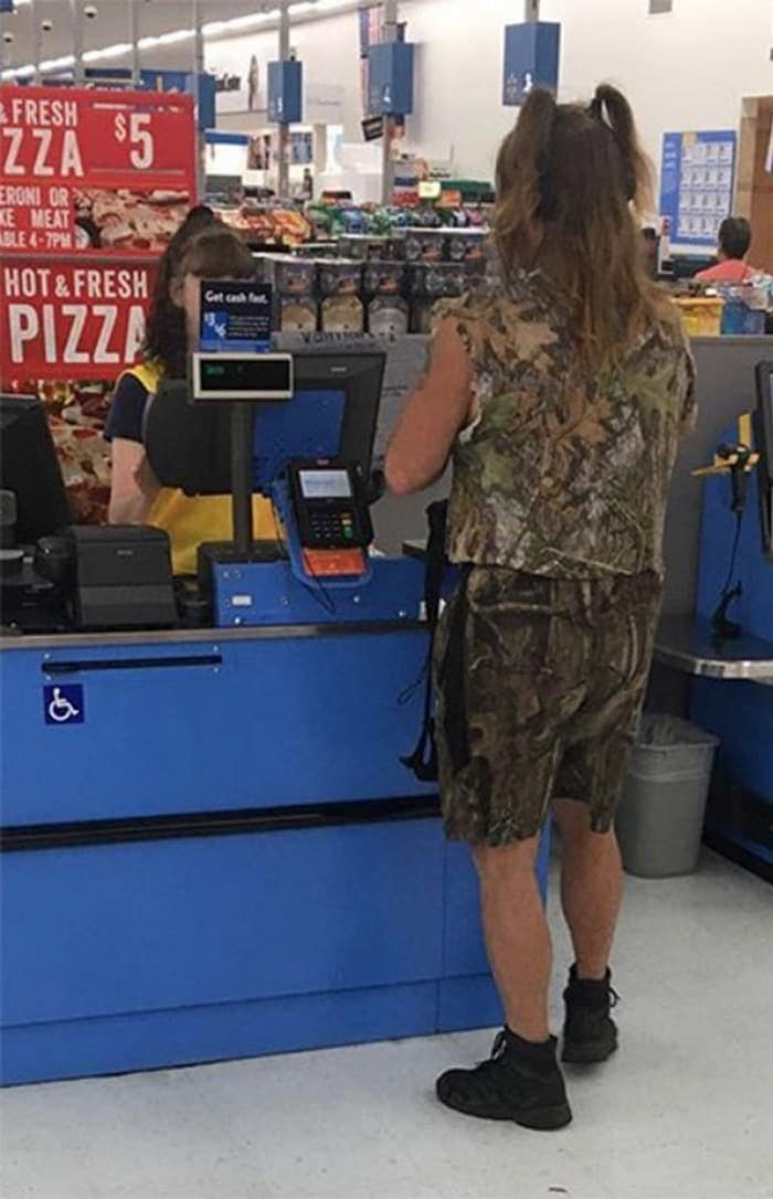 The 35 Funniest People Of Walmart Pictures of All Time -25
