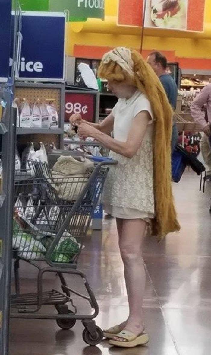 The 35 Funniest People Of Walmart Pictures of All Time -29
