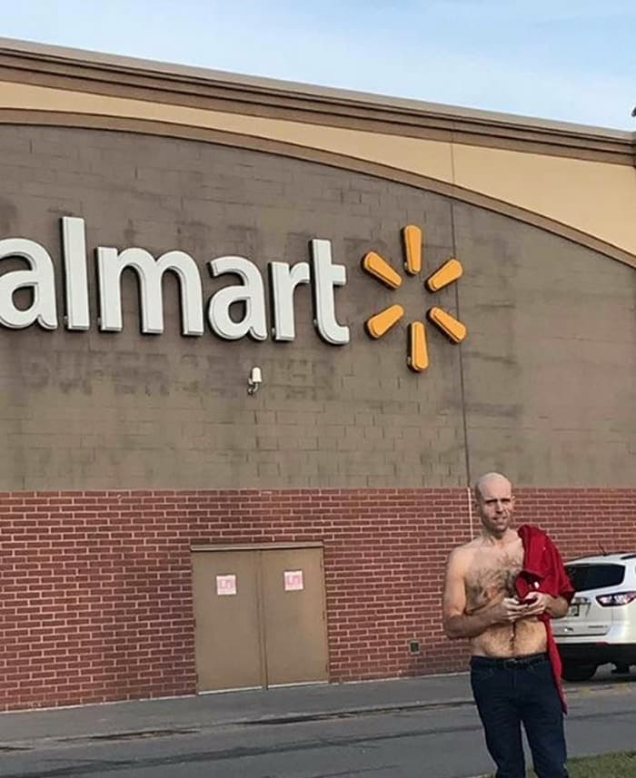 The 24 Weird People of Walmart That Are on Another Level -11