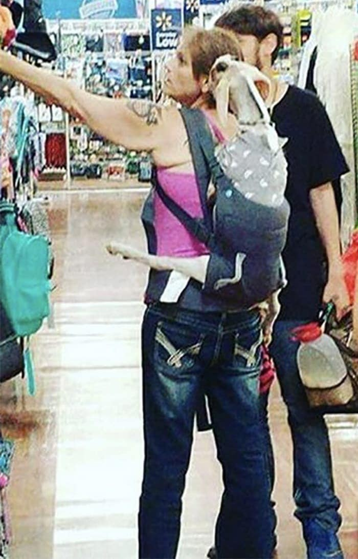 The 24 Weird People of Walmart That Are on Another Level -21