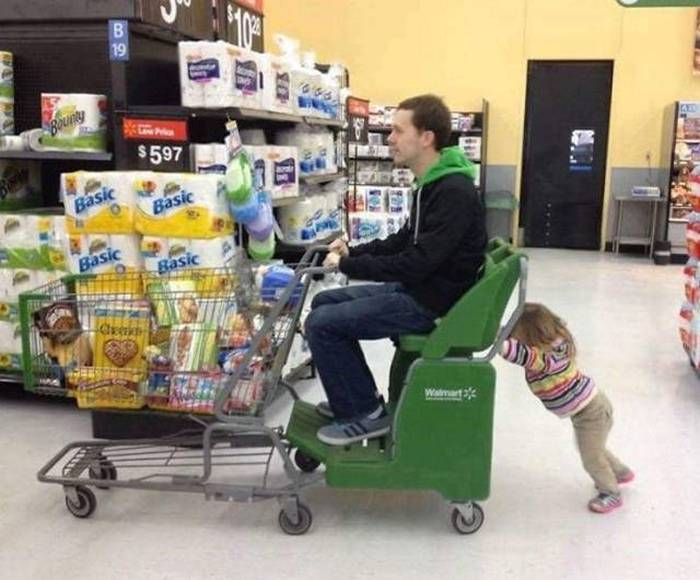 17 Funny Pictures of People That Know How to be a Good Father -08
