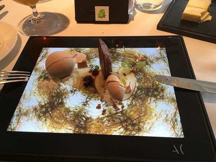 30 Funny Pictures of Serving of Dishes in Restaurants Will Blow Your Mind -05