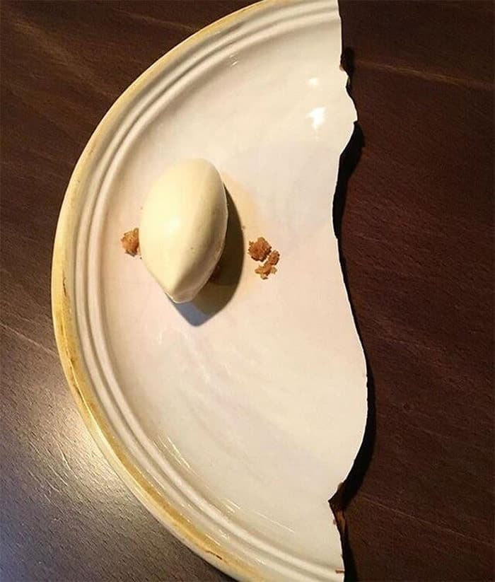 30 Funny Pictures of Serving of Dishes in Restaurants Will Blow Your Mind -09