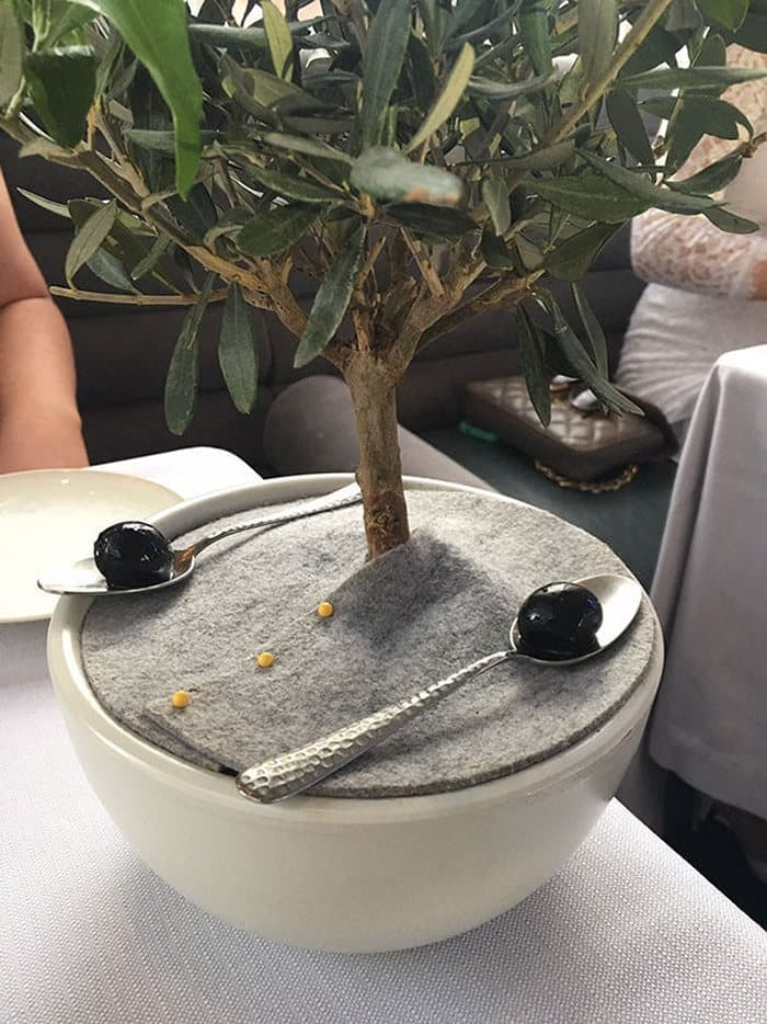 30 Funny Pictures of Serving of Dishes in Restaurants Will Blow Your Mind -28