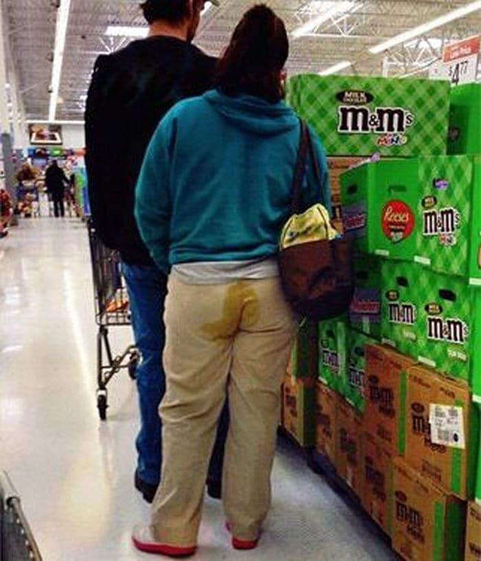 25 Ridiculous People of Walmart You Hope to Never Run Into -01