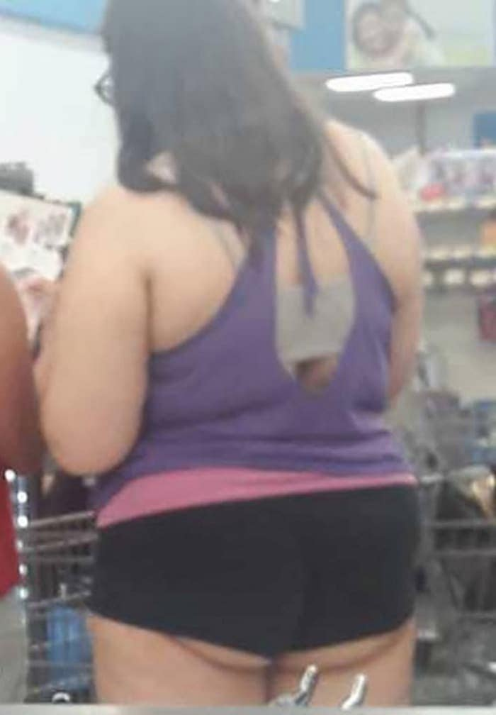 25 Ridiculous People of Walmart You Hope to Never Run Into -06