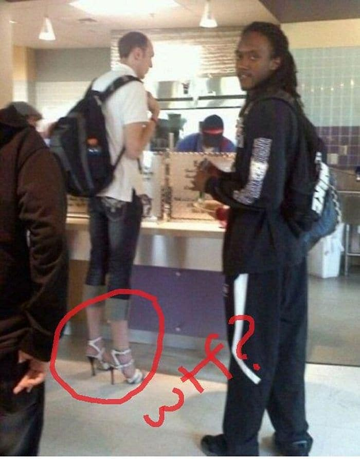 25 Ridiculous People of Walmart You Hope to Never Run Into -08