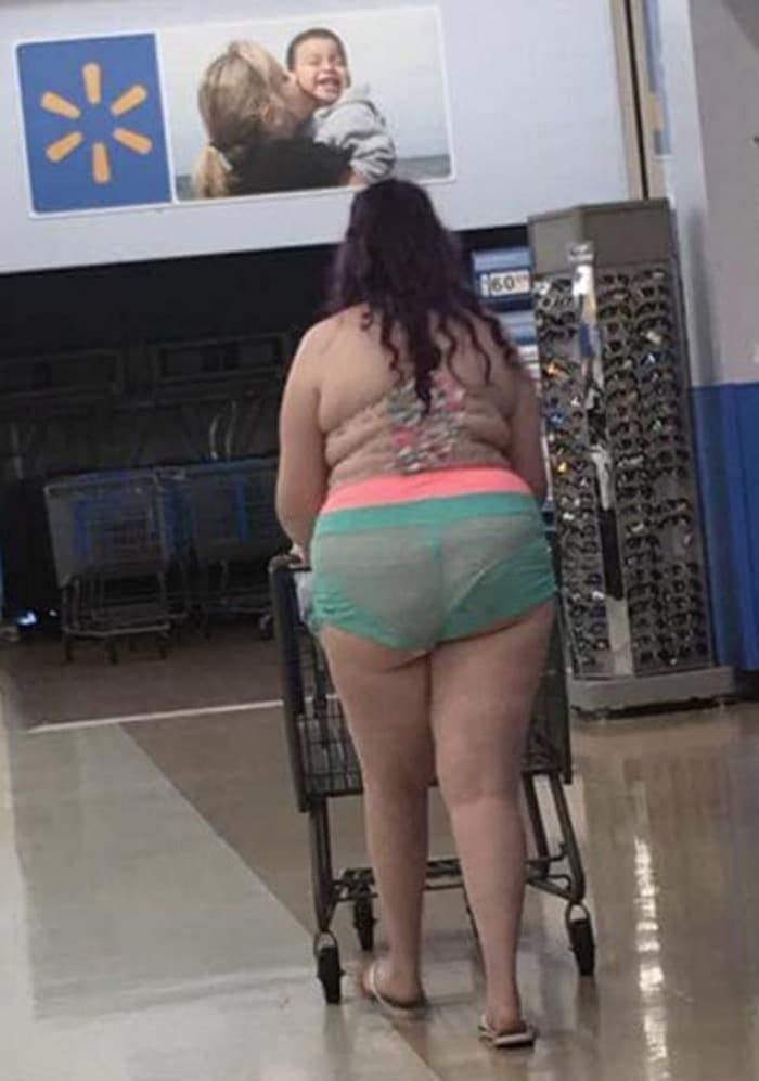 25 Ridiculous People of Walmart You Hope to Never Run Into -15