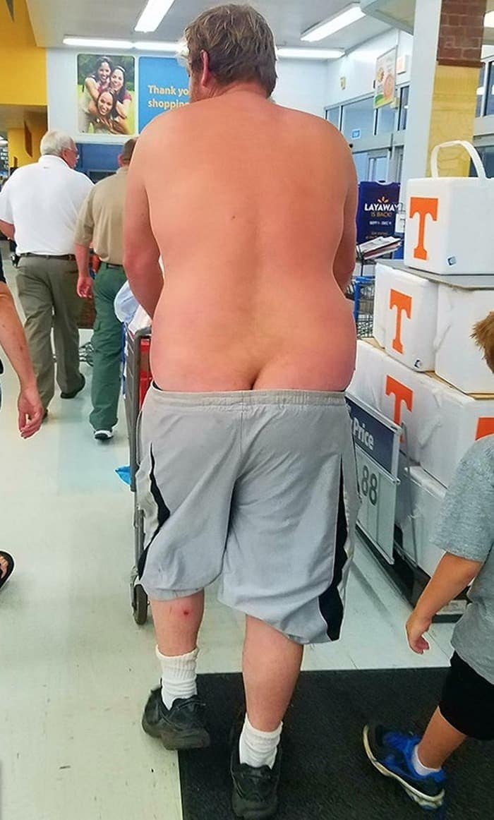 25 Ridiculous People of Walmart You Hope to Never Run Into -21