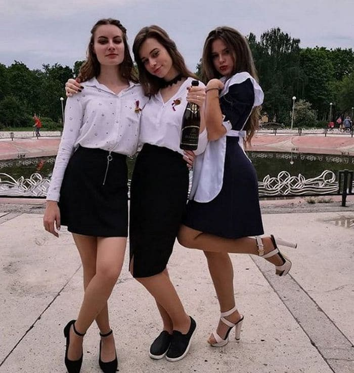 26 Funny Photos of Students Celebrating Graduation in Russia Will Blow Your Mind -08