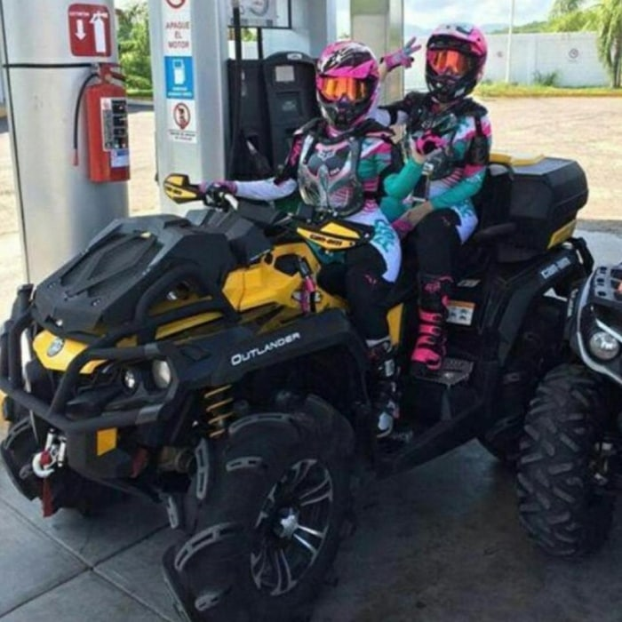 25 Rich Kids Of Mexico Show Off Their Luxurious Lives Online-09