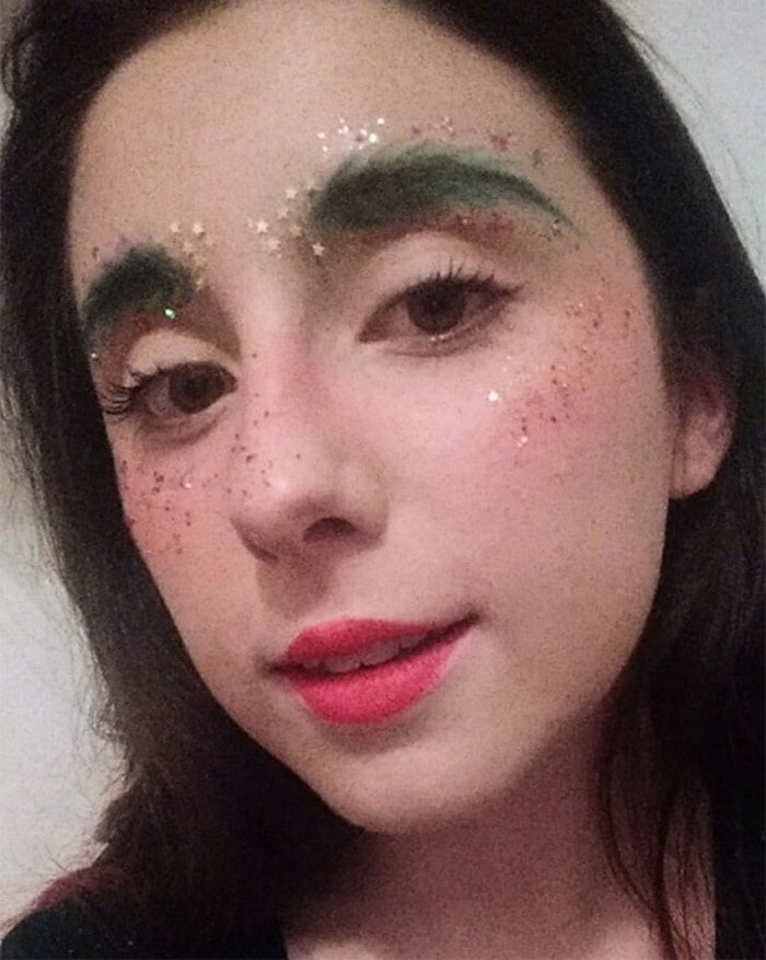 15 Hilarious Christmas Tree Eyebrows That Will Feel You Festive-02