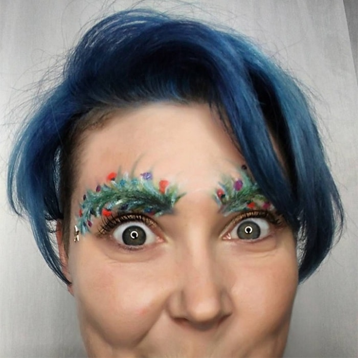 15 Hilarious Christmas Tree Eyebrows That Will Feel You Festive-03
