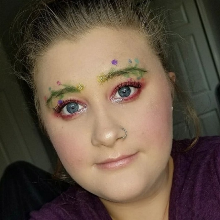 15 Hilarious Christmas Tree Eyebrows That Will Feel You Festive-04