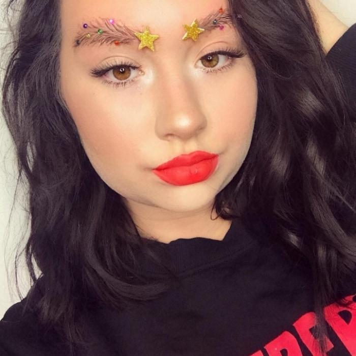 15 Hilarious Christmas Tree Eyebrows That Will Feel You Festive-08