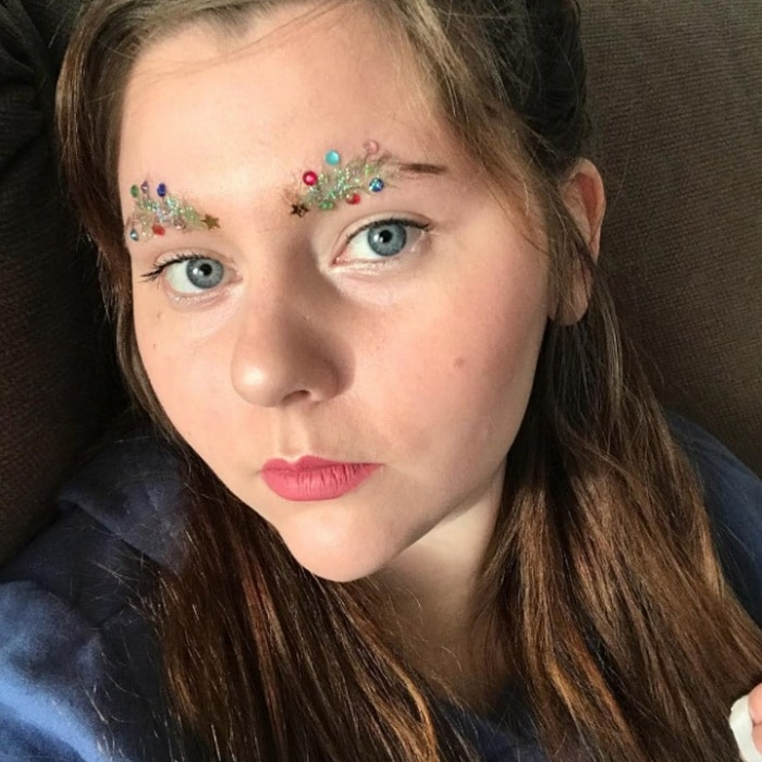 15 Hilarious Christmas Tree Eyebrows That Will Feel You Festive-12
