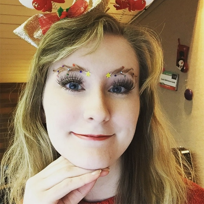 15 Hilarious Christmas Tree Eyebrows That Will Feel You Festive-15