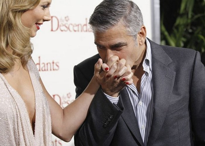 Awkward Pics Of Celebrities That Caught Staring (27 Pics)-10