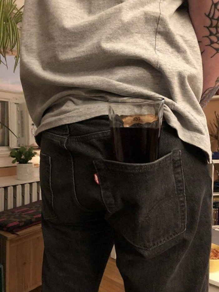What's The Worst Way To Hold Your Drink (30 Pics)-27