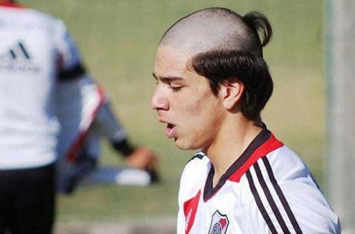 65+ Funniest Haircuts That Will Make You Cringe-05