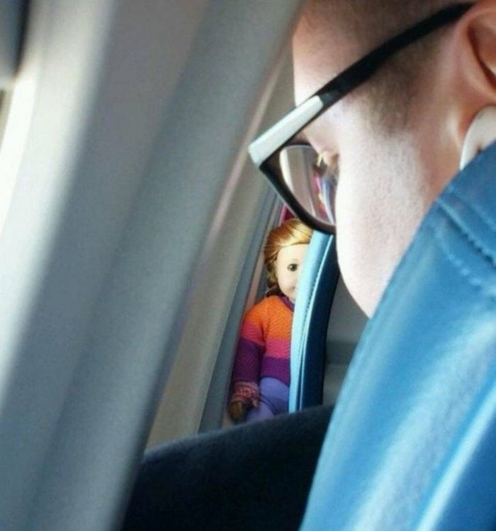 Awkward Airplane Moments That Are Funny And Scary (18 Photos)-07