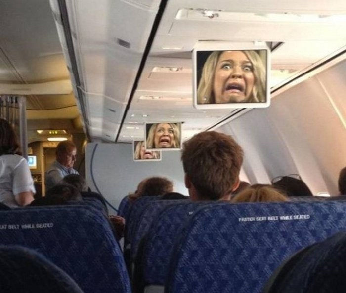 Awkward Airplane Moments That Are Funny And Scary (18 Photos)-09