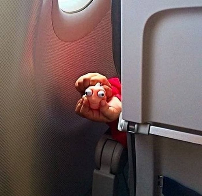Awkward Airplane Moments That Are Funny And Scary (18 Photos)-10