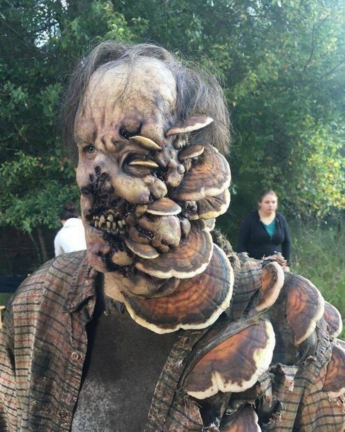 50 Awesome Halloween Costumes That Will Blow Your Mind-35