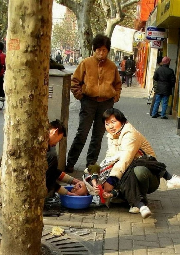 40+ Only In Asia Photos That Will Make You LOL-43