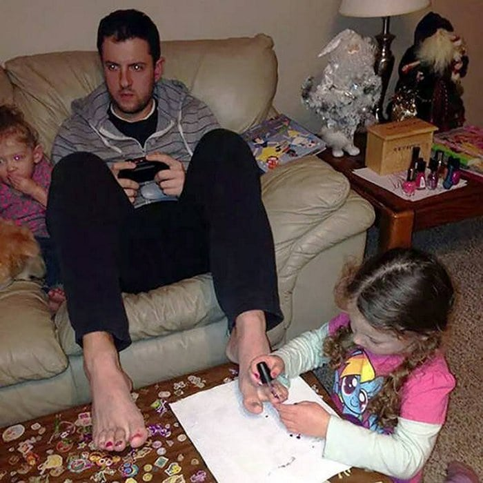 22 Hilarious Living With Children Photos That Prove Parenting Is Challenging-11