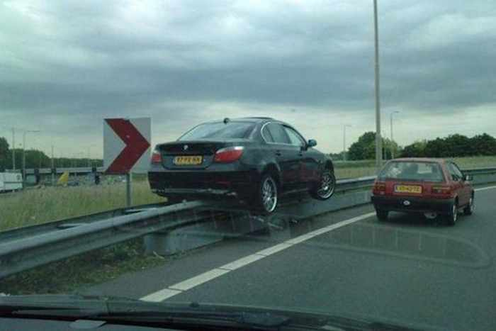 The Worst Driving Fails Ever That Will Make You Laugh (23 Pics)-11