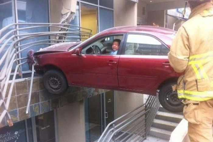 The Worst Driving Fails Ever That Will Make You Laugh (23 Pics)-12