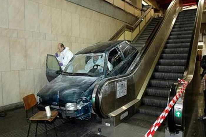 The Worst Driving Fails Ever That Will Make You Laugh (23 Pics)-21