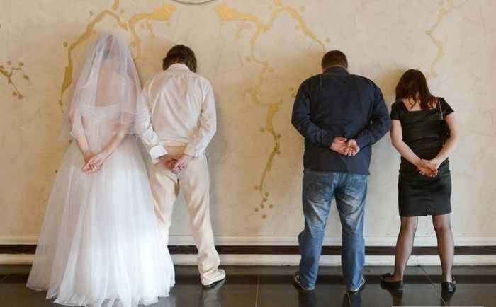 Worst Russian Wedding Photos That Are Too Awkward To Handle (40 Pics)-05