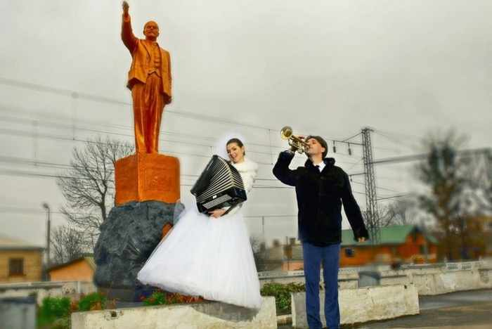 Worst Russian Wedding Photos That Are Too Awkward To Handle (40 Pics)-09