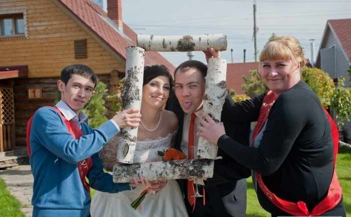 Worst Russian Wedding Photos That Are Too Awkward To Handle (40 Pics)-18