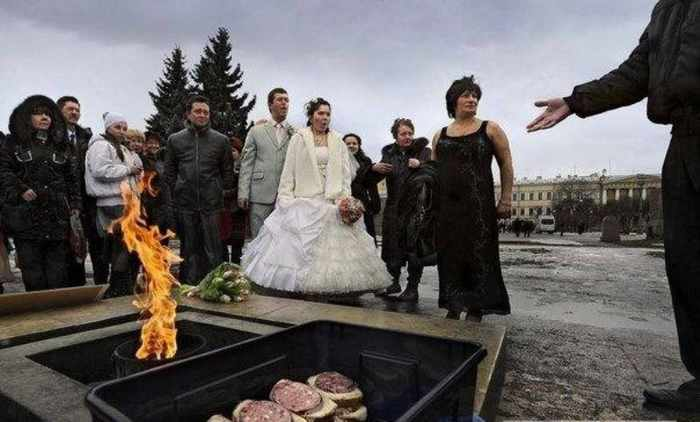 Worst Russian Wedding Photos That Are Too Awkward To Handle (40 Pics)-24